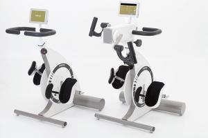 Træningscykel med motor til kørestol