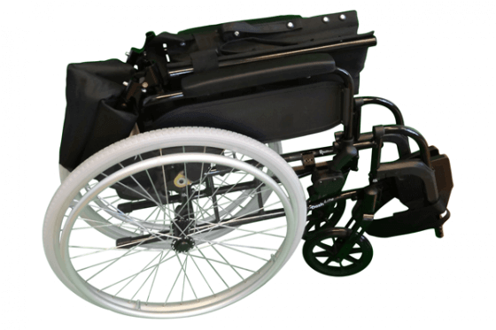 Transportkørestol klappet sammen