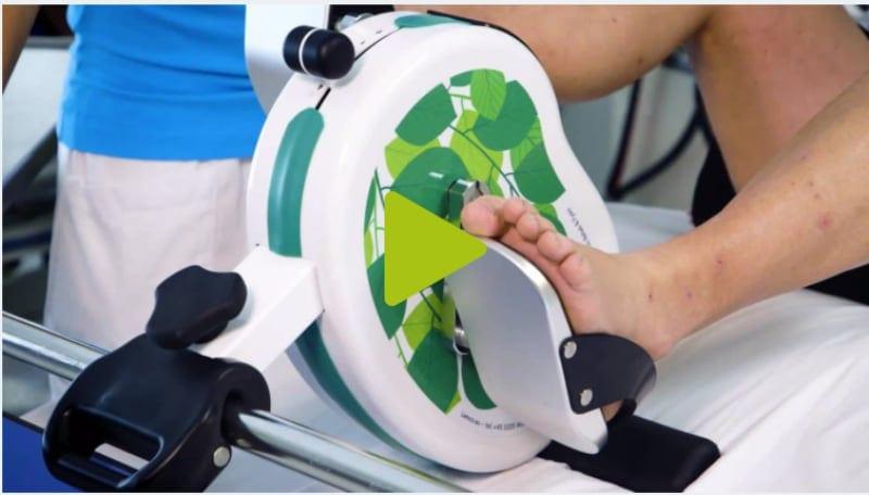 velo d´entraînement pour lit hospitallier. / Pédalier pour dialyse
