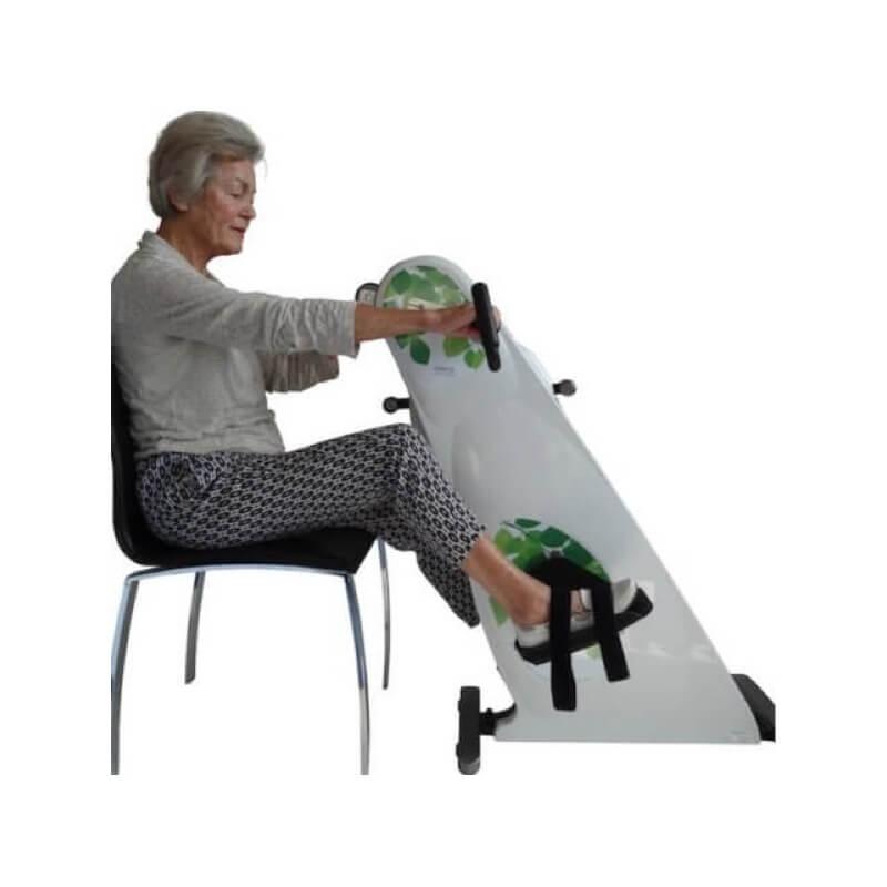 Træningscykel-til-stol-hjemmetræning